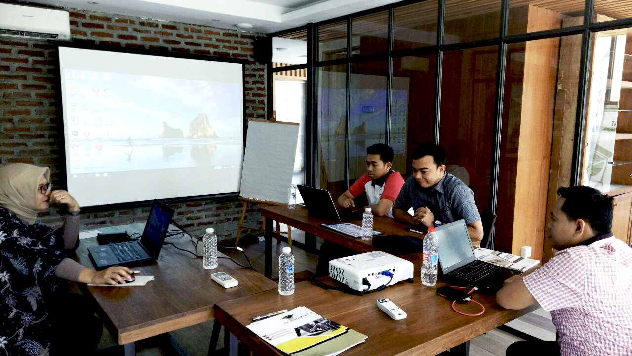 Annual Report Berbasis GCG dan CSR | ? Bandung, Jawa Barat | ? 31 Januari- 2 Februari 2018