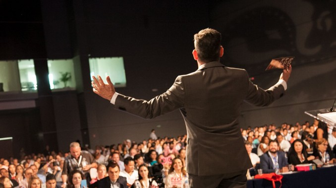 Pelatihan Public Speaking & Presentation Skills